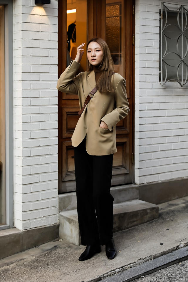Women fall street style last week of october 2018 in seoul 15