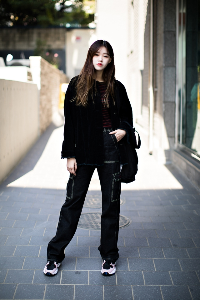 Women fall street style last week of october 2018 in seoul 19