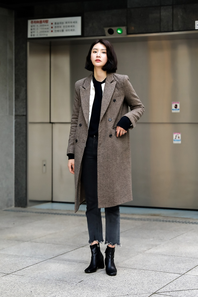 Women fall street style last week of october 2018 in seoul 6
