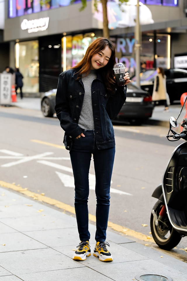 Women fall street style last week of october 2018 in seoul 9